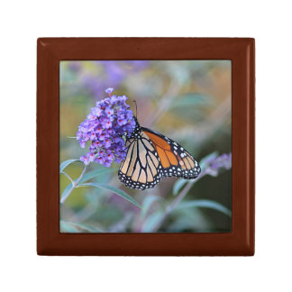 Monarch butterfly profile gift box