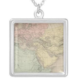 Monde Connu Des Anciens Silver Plated Necklace