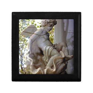 Monet Ange Dans La Fenetre giftbox Small Square Gift Box