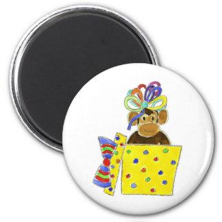 Monkey in Gift Box 6 Cm Round Magnet
