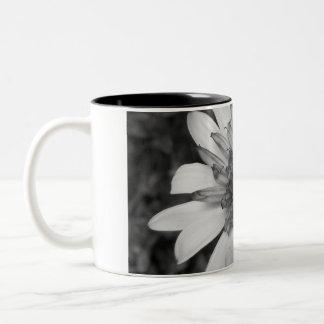 monochrome daisy mug