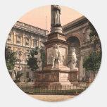 Monument to Leonardo di Vinci, Milan, Italy vintag Round Sticker