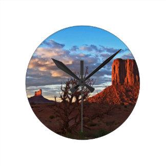 Monument Valley 14 Round Clock