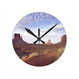 Monument Valley 4 Round Clock