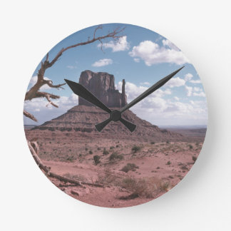 Monument Valley 9 Round Clock