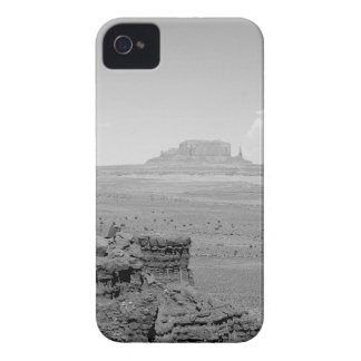 Monument Valley (black and white) 2 iPhone 4 Covers