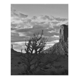 Monument Valley (black and white) 3 11.5 Cm X 14 Cm Flyer