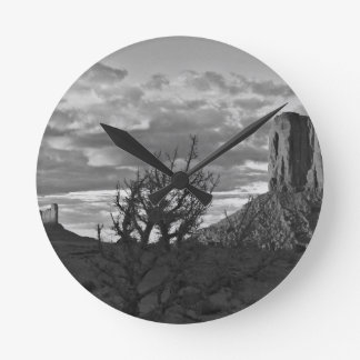 Monument Valley (black and white) 3 Round Clock