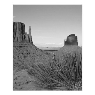 Monument Valley in Arizona/Utah (black and white) 11.5 Cm X 14 Cm Flyer