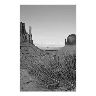 Monument Valley in Arizona/Utah (black and white) 14 Cm X 21.5 Cm Flyer