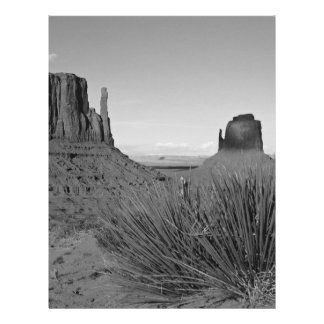 Monument Valley in Arizona/Utah (black and white) 21.5 Cm X 28 Cm Flyer