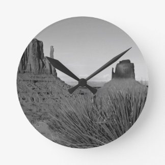 Monument Valley in Arizona/Utah (black and white) Round Clock