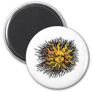 Moody Sun 6 Cm Round Magnet