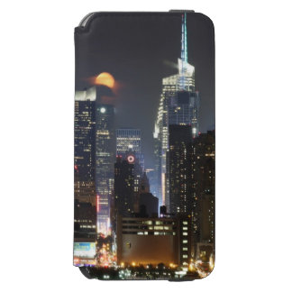 Moon rises over midtown New York. Incipio Watson™ iPhone 6 Wallet Case