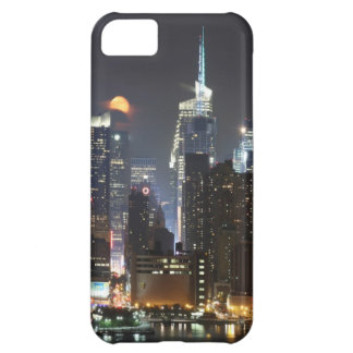 Moon rises over midtown New York. iPhone 5C Case