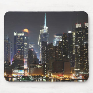 Moon rises over midtown New York. Mouse Pad
