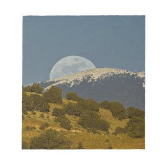 Moonrise over the Sangre de Cristo Mountains, Notepad