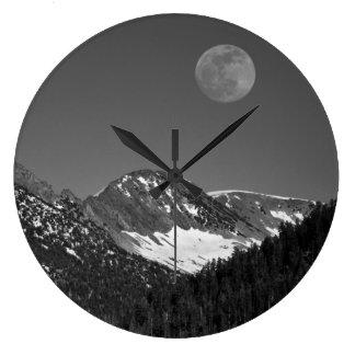 Moonrise, Sierra-Nevada, Glacier Point Vista Large Clock