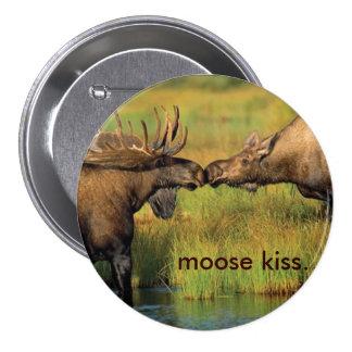 Moose Kiss 7.5 Cm Round Badge