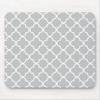 Moroccan Gray White Quatrefoil Pattern Mouse Mat