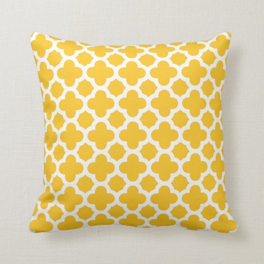 Moroccan Medium Quatrefoil Pattern Sunshine Yellow Cushion