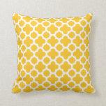 Moroccan Medium Quatrefoil Pattern Sunshine Yellow Cushion
