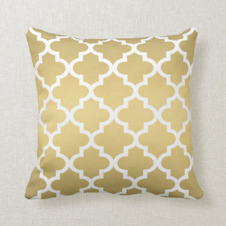 Moroccan Quatrefoil Pattern | Gold and White Cushion
