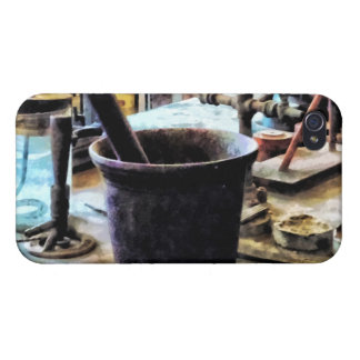 Mortar and Pestle in Chem Lab iPhone 4/4S Case