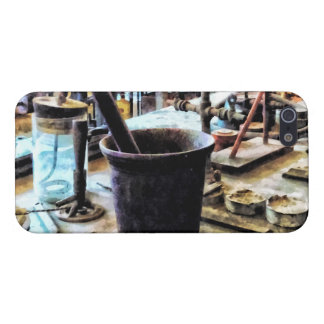 Mortar and Pestle in Chem Lab iPhone 5/5S Cover