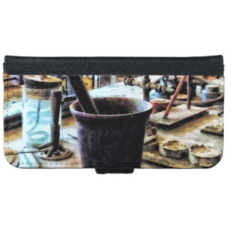 Mortar and Pestle in Chem Lab iPhone 6 Wallet Case