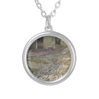Moscow yard by Vasily Surikov Round Pendant Necklace