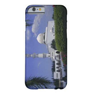 Mosque and tower, Singapore Barely There iPhone 6 Case