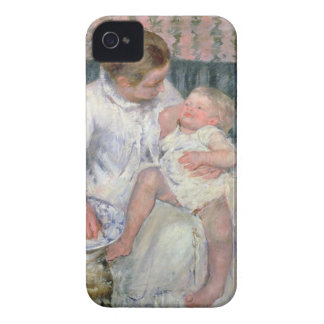 Mother about to Wash her Sleepy Child, 1880 (oil o iPhone 4 Cover