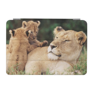 Mother lion with cubs iPad mini cover