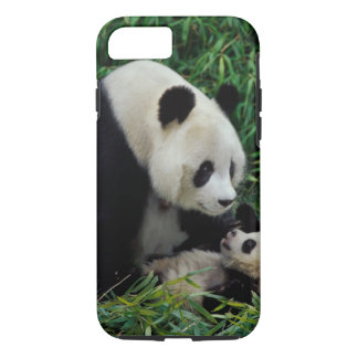 Mother panda and baby in the bamboo bush, Wolong iPhone 8/7 Case