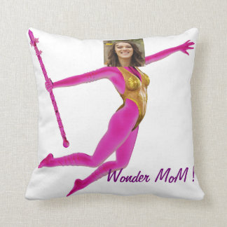 "Mother' S Day Pillow - Personalyze ""Wonder MoM """