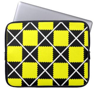 motif pattern géométrique jaune et noir laptop computer sleeves