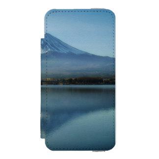 mount fuji incipio watson™ iPhone 5 wallet case