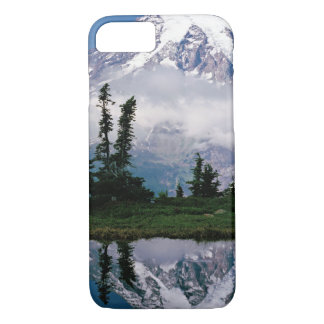 Mount Rainier relected in a mountain tarn iPhone 8/7 Case