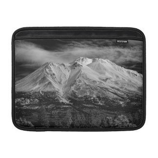 MOUNT SHASTA IN BLACK AND WHITE SLEEVE FOR MacBook AIR