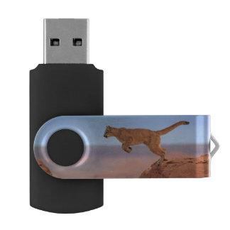 Mountain Lion Swivel USB 2.0 Flash Drive