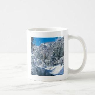 Mountain Snow Flocks Yosemite Par Classic White Coffee Mug
