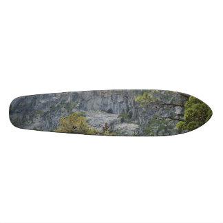 Mountain Wall 18.1 Cm Old School Skateboard Deck