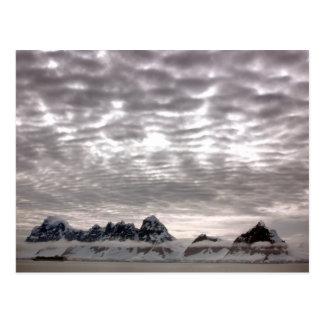 Mountain with cruiseship in the Pole Postcard