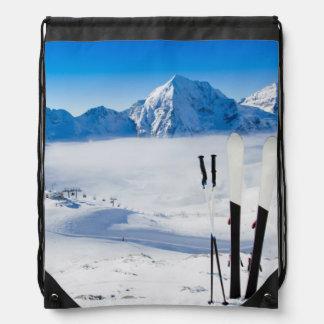 Mountains and ski equipment drawstring bag