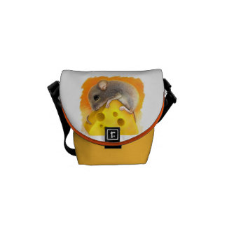 Mouse on cheese realistic painting commuter bag