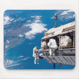 Mousepad:Upgrading the International Space Station