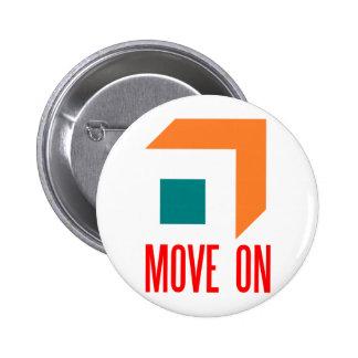 move on 6 cm round badge