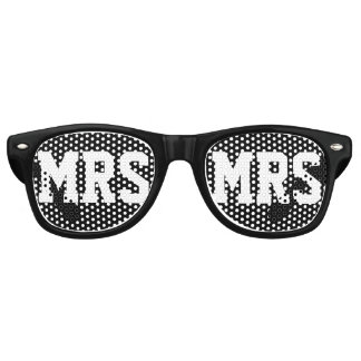 Mr and Mrs wedding party shades for newly weds