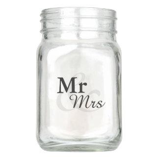 Mr&Mrs Simple Elegant Typography Wedding Mason Jar